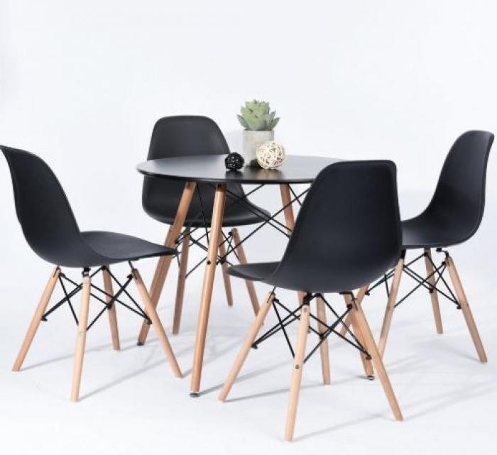 Chaises plastiques 2
